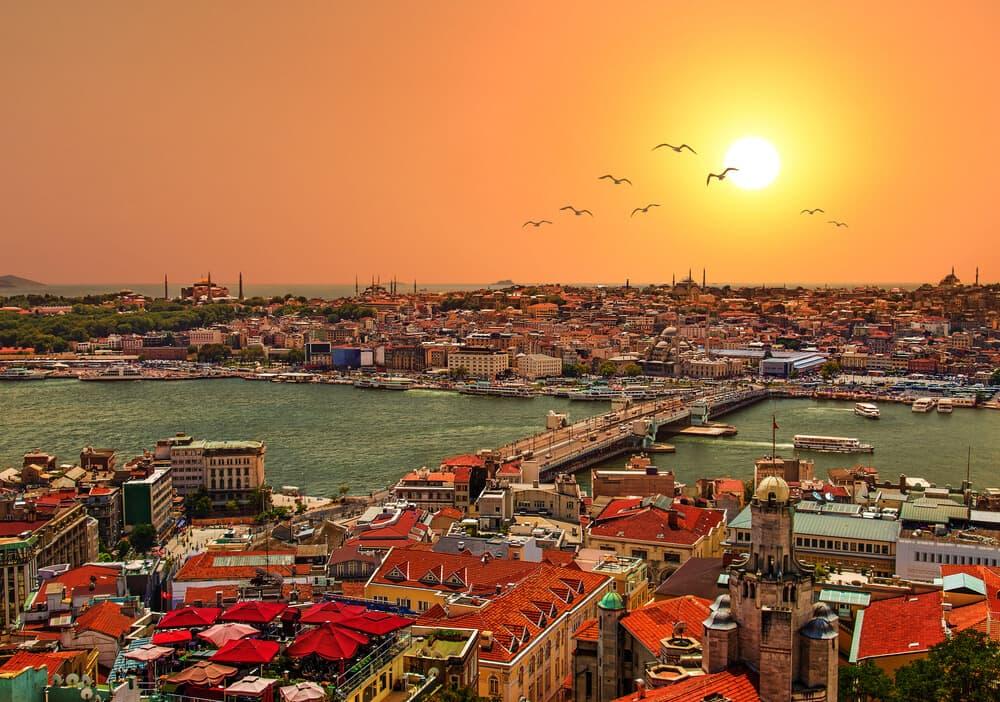 İstanbul'u Yürüyerek Keşfetme Rotaları